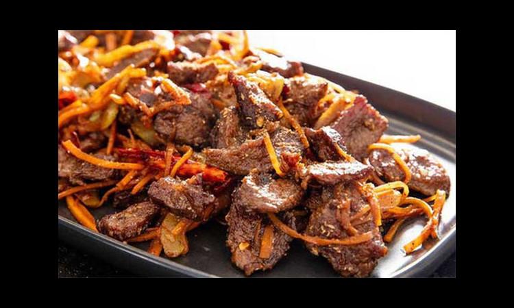 10 lợi ích của thịt bò so với các loại thịt khác: Kiến tạo cơ bắp và tăng cường sức mạnh