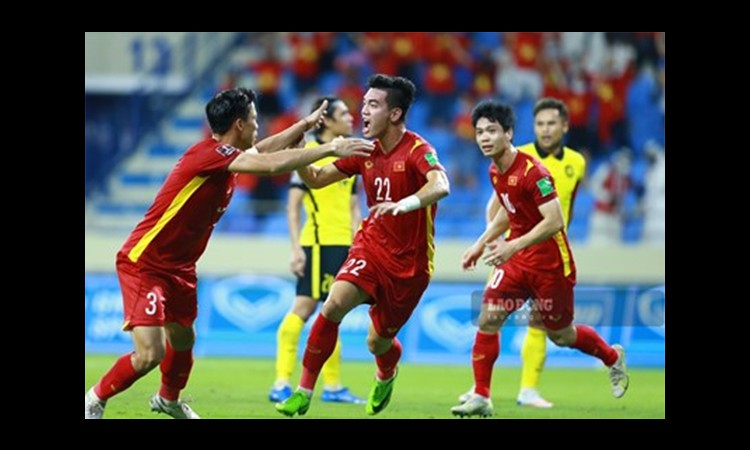 Khánh Vân, Trương Quỳnh Anh thót tim sau khi Việt Nam thắng Malaysia
