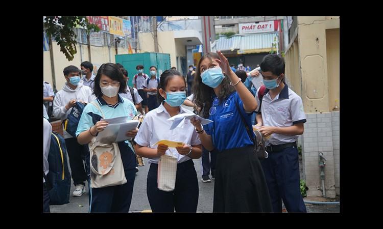 Tuyển sinh lớp 10: Sở GD-ĐT TP HCM đề xuất xét tuyển toàn bộ, kể cả hệ chuyên
