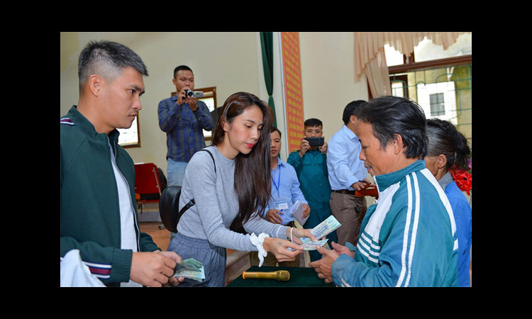 Hai địa phương báo cáo Bộ Công an việc trao từ thiện của ca sĩ Thủy Tiên