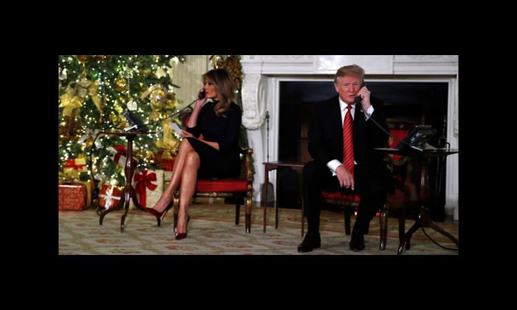 Vợ chồng ông Trump trả lời đường dây nóng về ông già Noel