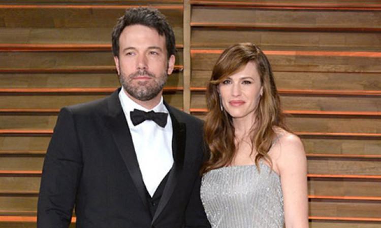 Ben Affleck và Jen Garner bị tòa dọa hủy vụ ly hôn vì mãi 'dùng dằng'