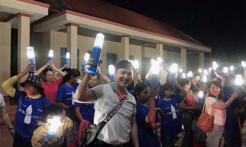 ABBANK thắp sáng niềm vui đón Tết cho bà con xã Đăk Ơ, Bình Phước