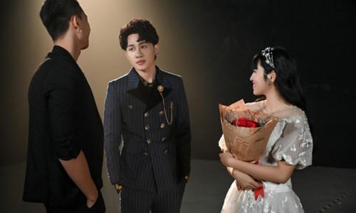Khánh Vân nói gì về việc gỡ ảnh chụp chung với Jack?