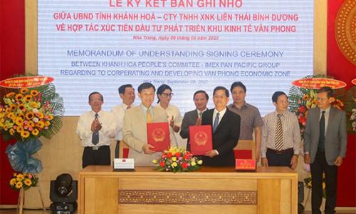 """""""Vua Hàng Hiệu"""" Johnathan Hạnh Nguyễn tài trợ hàng triệu đô cho dự án Bắc Vân Phong"""