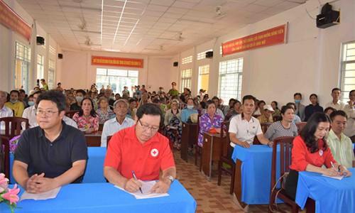 Lock&Lock trao tặng 1.500 phần quà cho gia đình có hoàn cảnh khó khăn tại tỉnh Sóc Trăng