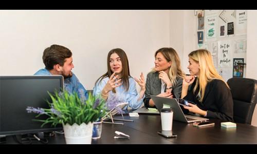 5 hình thức giao tiếp nhóm hiệu quả trong công việc