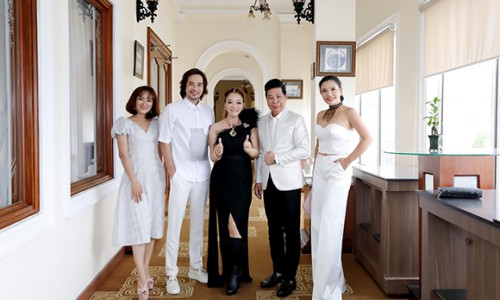 NTK Oanh Phan được hội bạn âm thầm tổ chức sinh nhật trong khách sạn 5 sao hạng sang