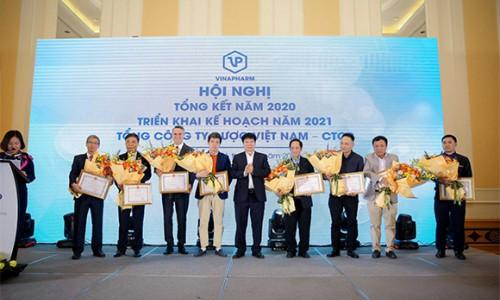 Sanofi Việt Nam vinh dự được Bộ Y tế tặng Bằng khen vì thành tích xuất sắc trong công tác phòng, chống dịch Covid-19