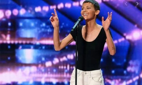 Nữ ca sĩ mắc ung thư nhận nút vàng tại America's Got Talent 2021