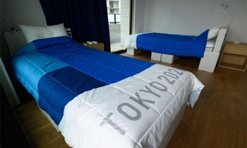 Vì sao Nhật dùng giường bìa cứng, huy chương tái chế ở Olympic Tokyo?