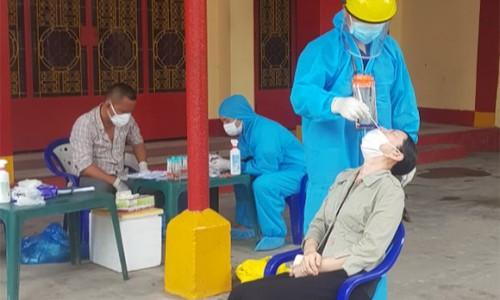 TP HCM tăng tốc tiêm mũi 2 để bao phủ vắc-xin phòng Covid-19