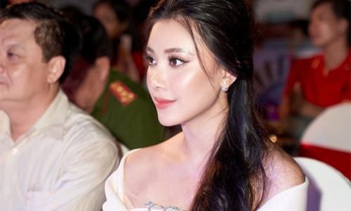 Á hậu Kim Duyên phản hồi tin phải thôi học vì nợ 43 tín chỉ