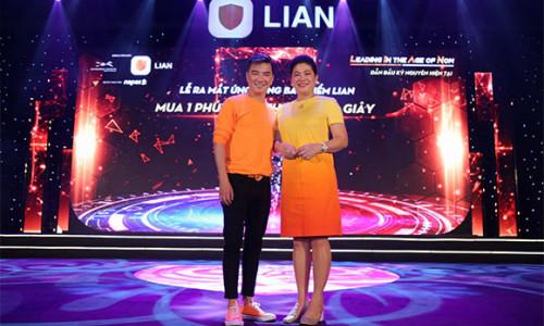 Madam Đỗ Thị Kim Liên và Đàm Vĩnh Hưng gây ấn tượng tại Lian App Festival