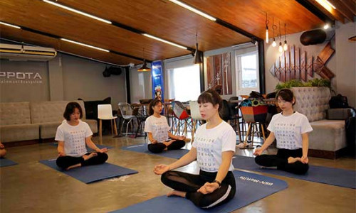 Lớp học Yoga miễn phí của BIDV MetLife – Nơi truyền cảm hứng lối sống lành mạnh và hạnh phúc