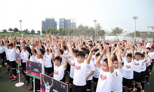 """Gần 1.000 bạn nhỏ trải nghiệm cảm giác ngoại hạng tại Ngày hội """"Chân sút nhí"""" mùa thứ 3 của AIA Việt Nam"""