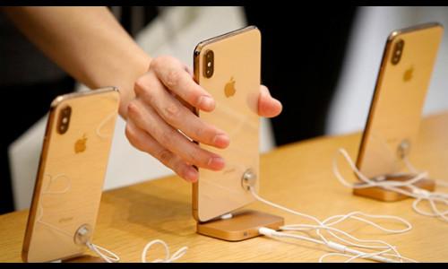 Apple nên chuyển dây chuyền iPhone khỏi Trung Quốc