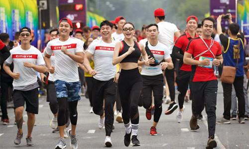 Minh Hằng dẫn đầu dàn HLV toàn cực phẩm của Citigym thi chạy marathon