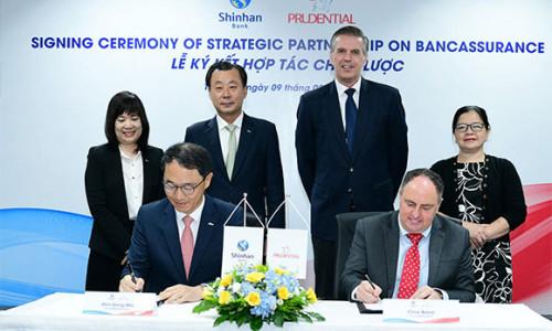 """Prudential Việt Nam """"bắt tay"""" Ngân hàng Shinhan mở rộng mô hình bancassurance"""