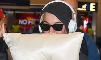 Katy Perry rời Australia sau khi Tom Hanks nhiễm bệnh