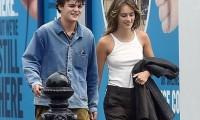 Jack Depp dạo phố cùng bạn gái