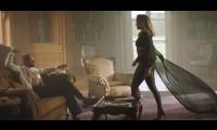 Jennifer Lopez mặc trang phục do Công Trí thiết kế