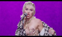 Miley Cyrus kỷ niệm 4 năm ra mắt 'Malibu'