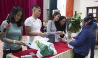 vMột huyện ở Nghệ An báo lệch số tiền ca sĩ Thủy Tiên làm từ thiện