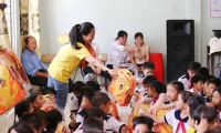 CapitaLand tặng quà và học bổng cho 1.000 học sinh nhân ngày Nhà giáo Việt Nam