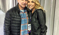 Britney Spears hoãn tour diễn về chăm bố bệnh nặng