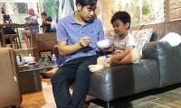 Thanh Bình đưa con trai đi làm khi vợ vắng nhà