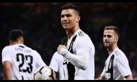 C. Ronaldo: 'Người ta chỉ mong tôi sút trượt penalty hoặc thua trận'