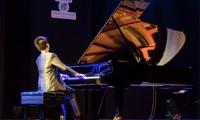 Thần đồng âm nhạc Hồng Kông trình diễn trên cây đàn Blüthner đầu tiên tại Việt Nam