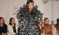 Phương Oanh diễn ở London Fashion Week