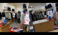 Hoắc Kiến Hoa và Lâm Tâm Như mặc đồ đôi đi mua sắm