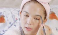 Chia sẻ tips makeup nhưng Ngọc Trinh khiến fan 'kêu trời' vì trước và sau trang điểm đều đẹp như nhau