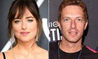 Diễn viên '50 sắc thái' phủ nhận có thai với Chris Martin